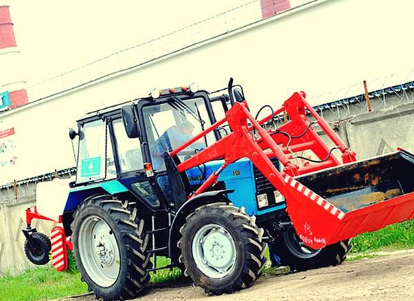 Трактор МТЗ 82 с навесным оборудованием